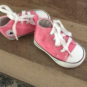 Infant converse size 1 pink
